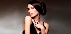 Фотосессия в сети студий Light-photos: макияж, прическа, разнообразный реквизит