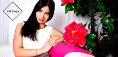 Фотосессия в студии Viktoria-Photo: аксессуары, укладка, платья, обработка фото