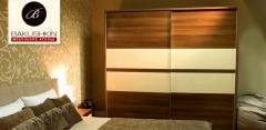 Шкафы-купе с панельными и зеркальными дверями от мебельного ателье Bakushkin
