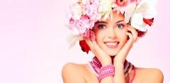 Фотосессия в фотостудии «Эйфория»: укладка, макияж, разнообразный реквизит